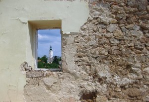 templom az ablakban k